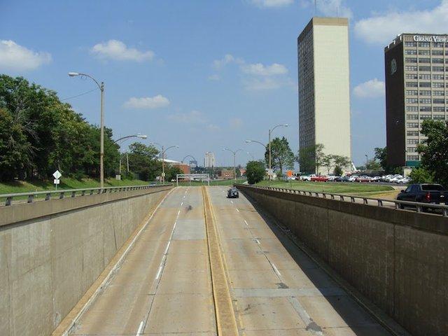 Looking Eastbound towards Forest Park Avenue from Grand Boulevard Overpass.jpg