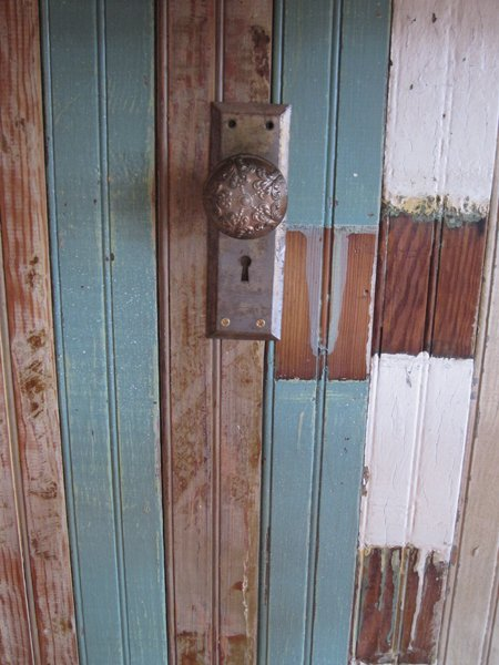 decor door knob purse hanger close up.jpg