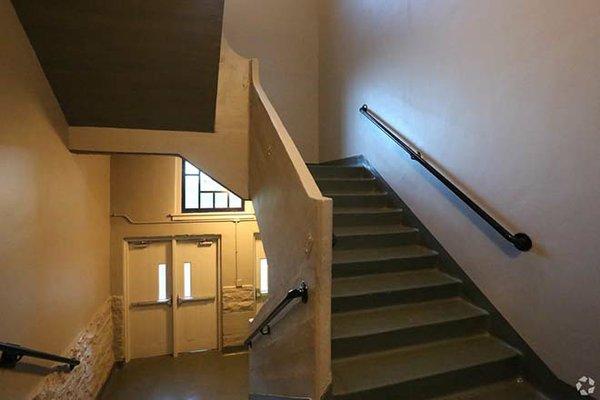gratiot-school-apartments-saint-louis-mo-interior-photo (1)_web.jpg