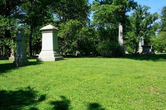 Lemp Feickert Plot in Bellefontaine Cemetery.jpg
