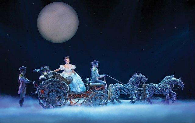 CinderellaTour3086r.jpg