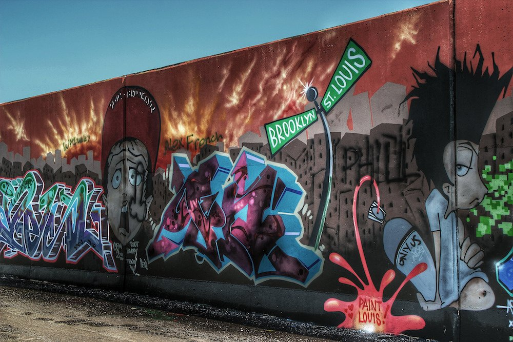 Watch Artists Graffiti 1 5 Miles Of Flood Wall At Paint Louis