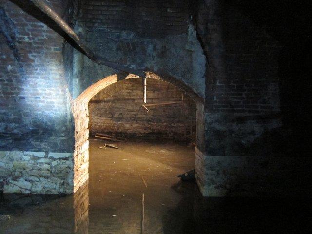 city-cave-4.jpg