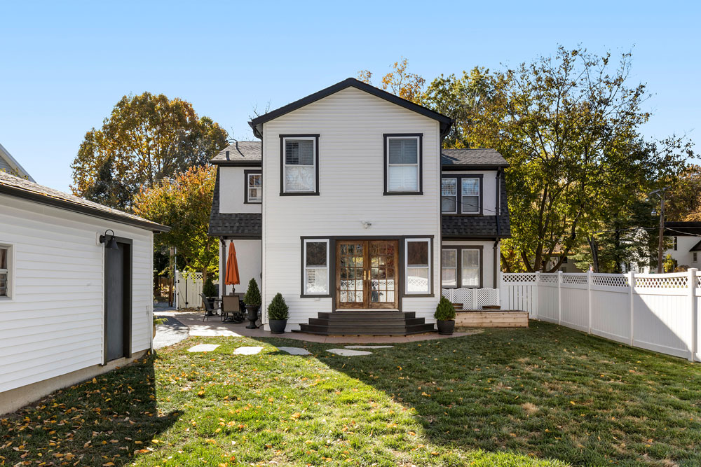 1923 kirkwood home received a bright colorful makeover for Outdoor living kirkwood