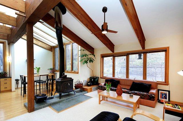 Sugar Creek Valley contemporary home asks $650,000
