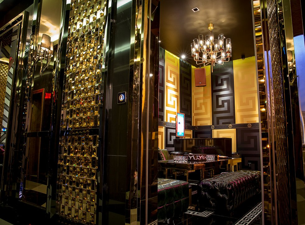why w karaoke lounge now open in the delmar loop will become a smash hit. Black Bedroom Furniture Sets. Home Design Ideas