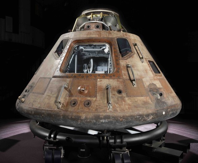 Apollo_Command_Module3.jpg