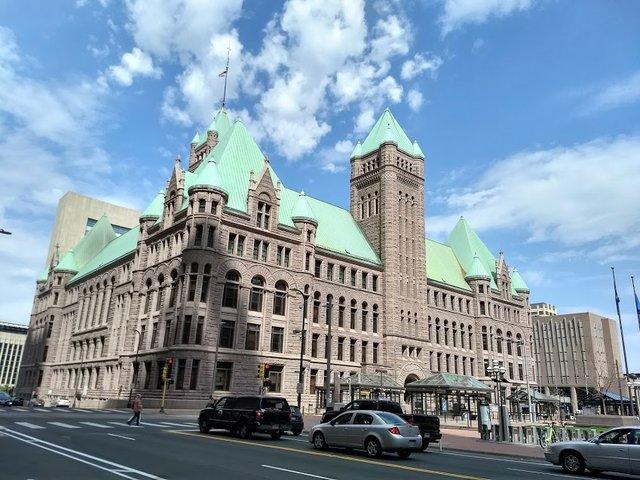 Minneapolis City Hall, Photo by Jeff Phillips.jpg