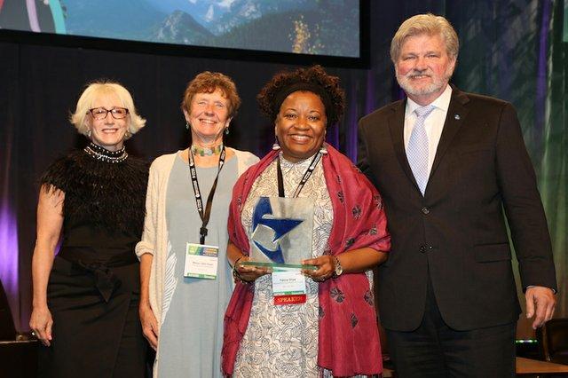Felicia Shaw Accepts Gard Award for CAT