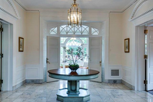 4Brentmoor_foyer.jpg