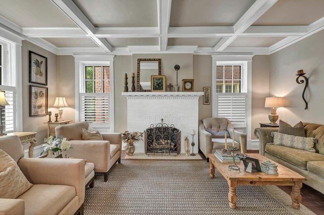 6249-Washington-Ave_livingroom.jpg