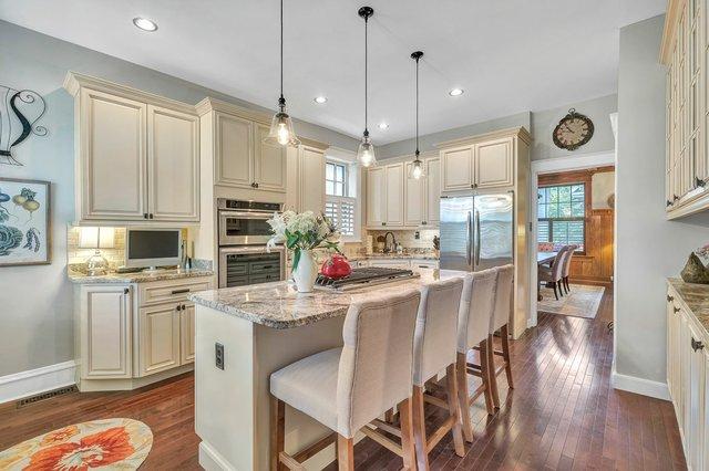 6249-Washington-Ave_kitchen.jpg