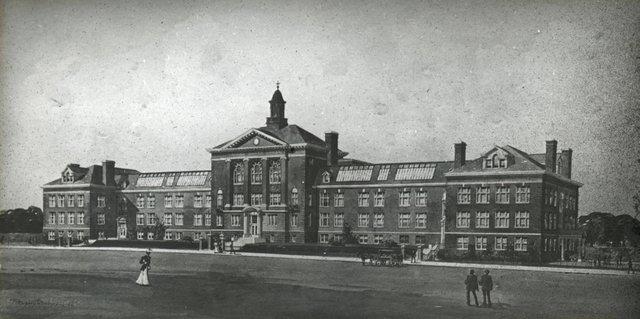 Sumner High School, ca. 1908, Missouri History Museum, St. Louis, N46489.jpg