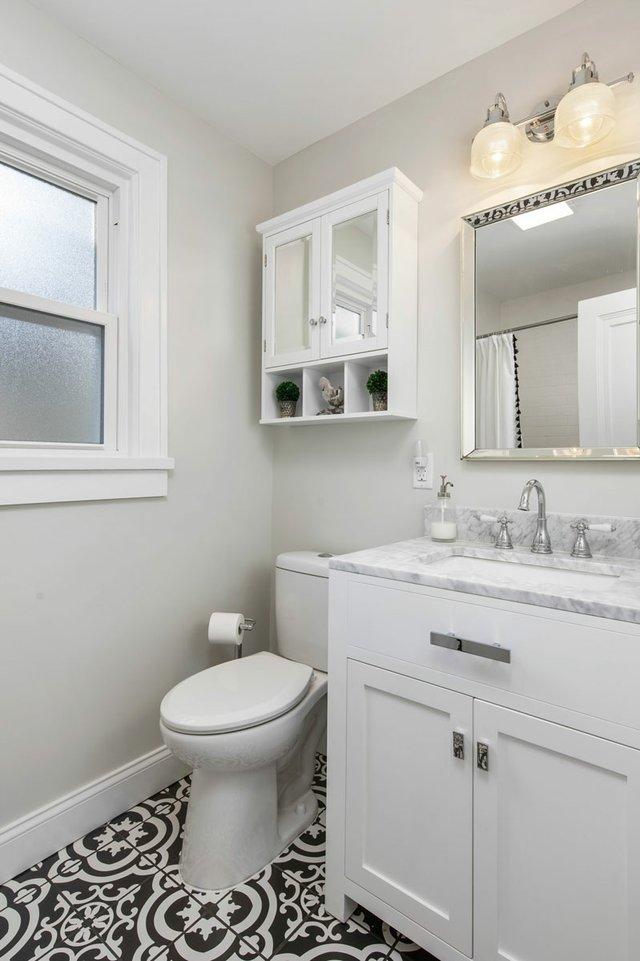 Stratford_bathroom.jpg