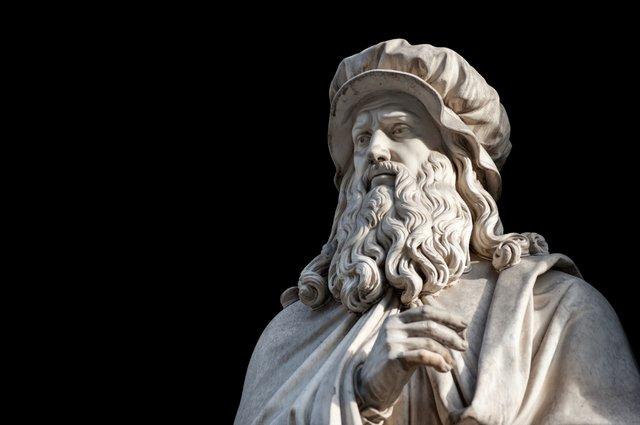 Leonardo da Vinci statue
