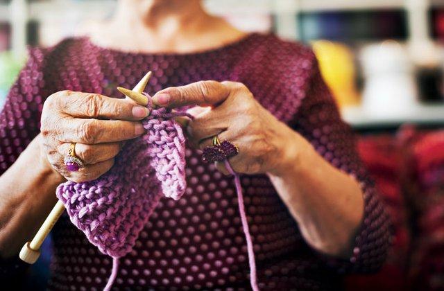 Knitting-4.jpg