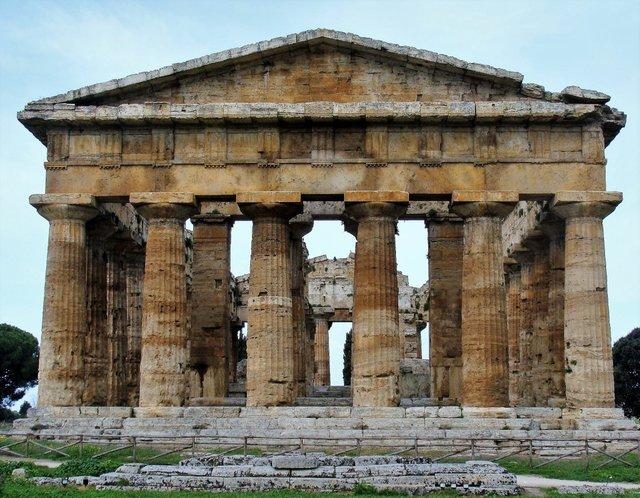 Temple of Hera II%2c Paestum%2c Italy%2c Photo by Chris Naffziger.JPG