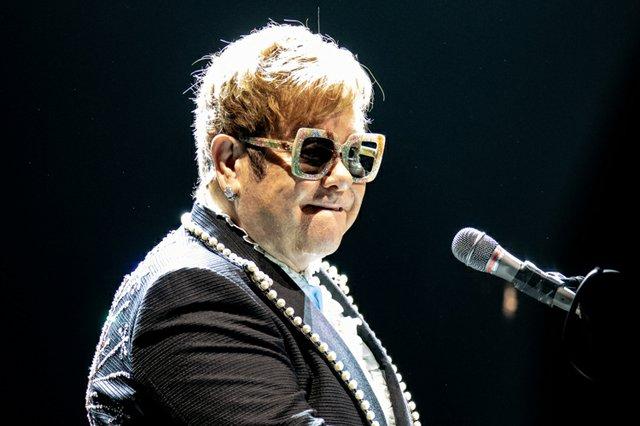Elton John 001.JPG