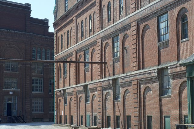 View of Fermenting House along old Second Carondelet Avenue Façade, Photo by Jason Gray.jpg