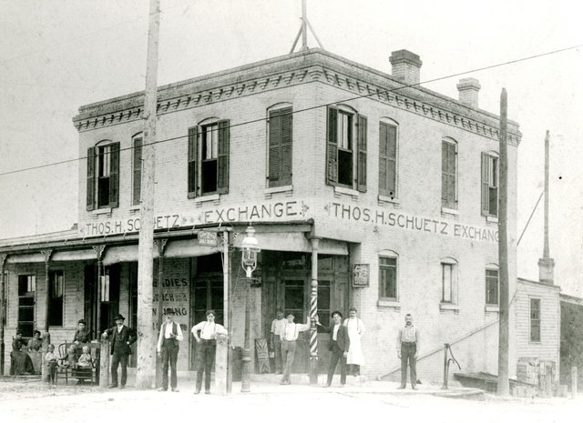 THOMAS H. SCHUETZ EXCHANGE SALOON, GRAVOIS AVENUE AT KINGSHIGHWAY. 1897, N33384.jpg