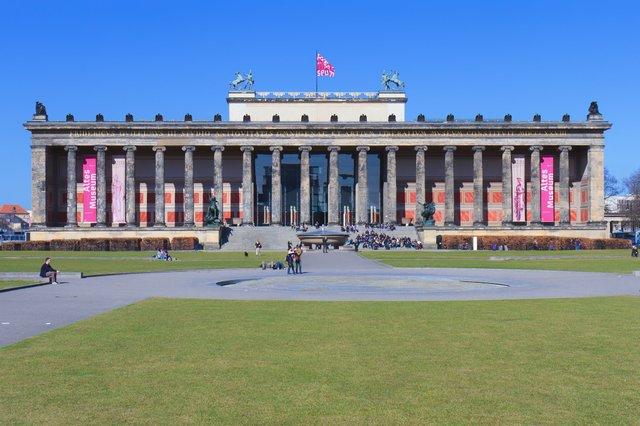 Karl Friedrich Schinkel, Altes Museum, Berlin, Photograph by Avda.jpg