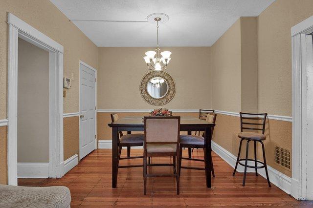 629 bates street st louis MO-print-011-15-Dining Room-2400x1600-300dpi.jpg
