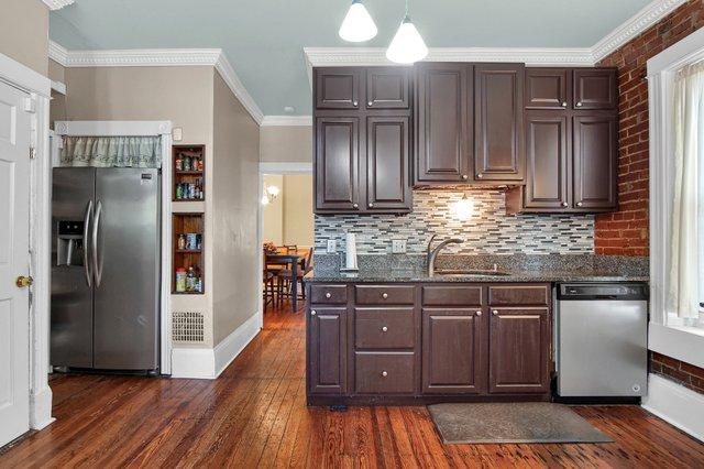 629 bates street st louis MO-print-017-20-Kitchen-2400x1600-300dpi.jpg