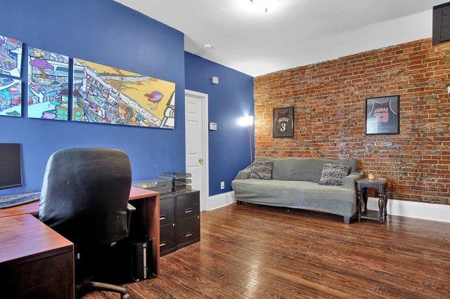 629 bates street st louis MO-print-020-17-Office-2400x1600-300dpi.jpg