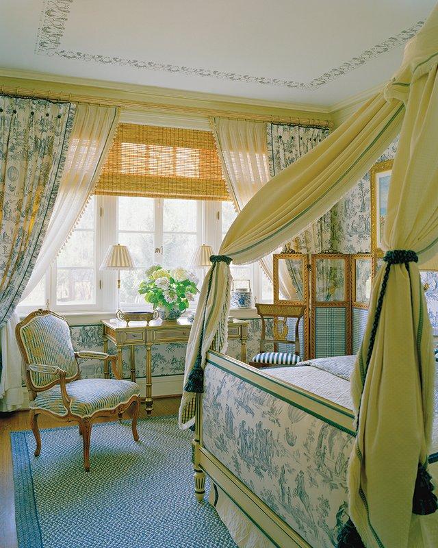 16-guest-room-w-painting.jpg