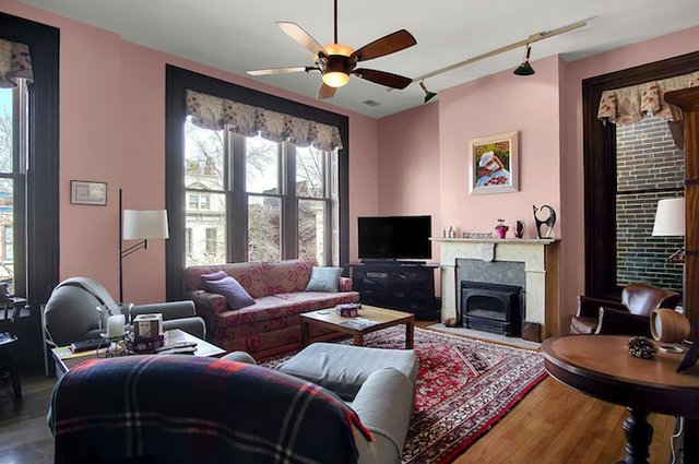 1818 LaSalle St St Louis MO-print-018-23-Family Room-3008x2000-300dpi.jpg