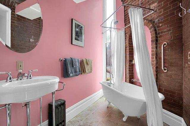 1818 LaSalle St St Louis MO-print-023-3-2nd Floor Hall Bath-3008x2000-300dpi.jpg