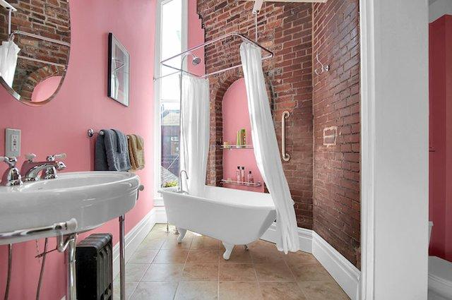 1818 LaSalle St St Louis MO-print-024-41-2nd Floor Hall Bath-3008x2000-300dpi.jpg