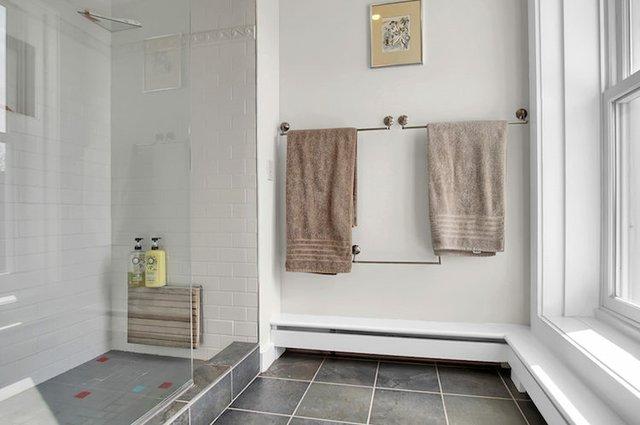 1818 LaSalle St St Louis MO-print-035-7-Master Bath-3008x2000-300dpi.jpg