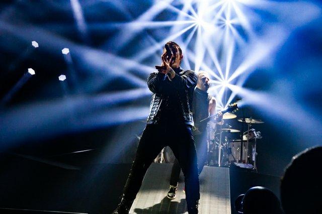 Shinedown 221.jpg