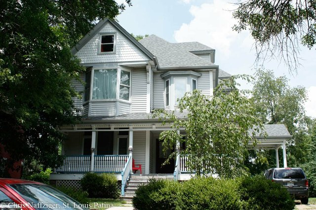 Queen Anne Style House, West End.jpg