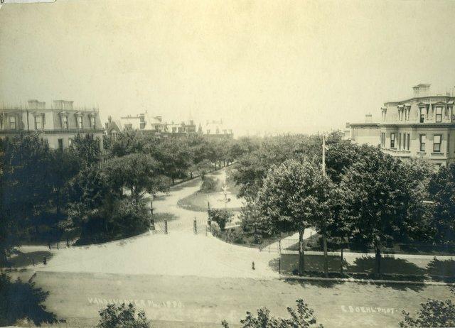 Vandeventer Place, Looking West, Photograph by Emil Boehl, c. 1880, Missouri History Museum, N40441.jpg