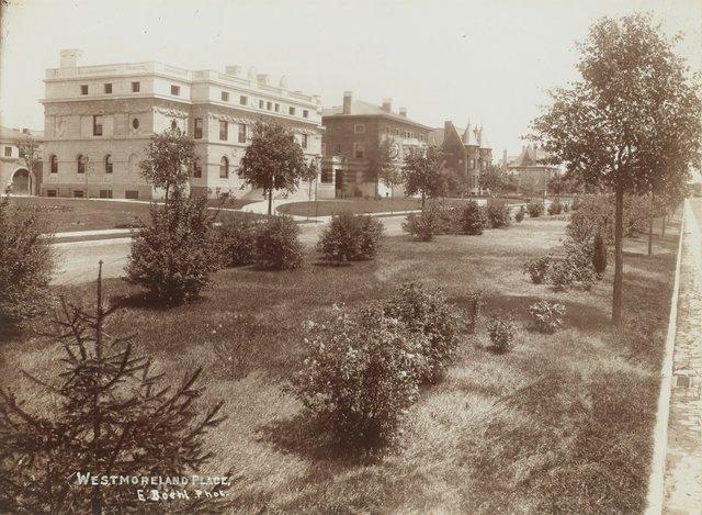 13-25 Portland Place, Photograph by Emil Boehl, N.D., Missouri History Museum, N39273.jpg