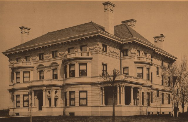 Byron Nugent Residence, 29 Westmoreland Place, Photograph by William Swekosky, c. 1896, Missouri History Museum, N07551.jpg