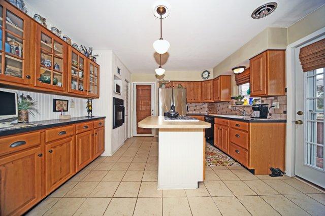 Kitchen 1 - Copy.jpg