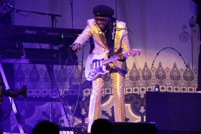 nile rodgers & chic 004.JPG