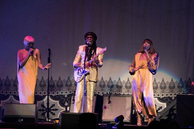 nile rodgers & chic 006.JPG