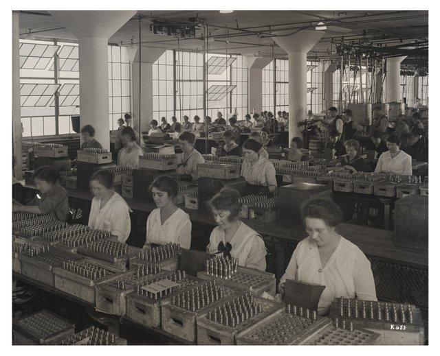 Women Inspecting Detonators at Wagner Electric, ca. 1918, Missouri History Museum, P0244-K0653.jpg