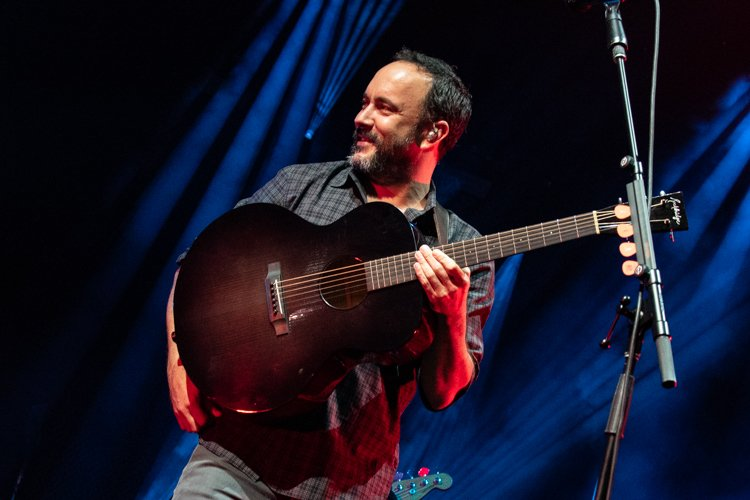 Dave Matthews Band plays a seamless show at Hollywood Casino Amphitheatre