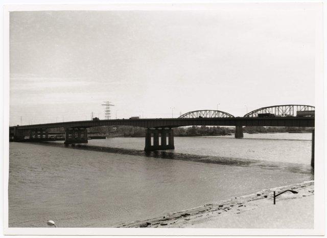 The Poplar Street Bridge, ca. 1968, Missouri History Museum, St. Louis, P0197-S02-00019.jpg