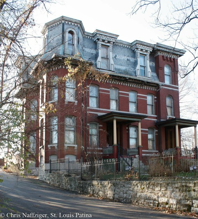 Eastern Surviving End of F. Watkins Row, Hyde Park, Photograph by Chris Naffziger.jpg