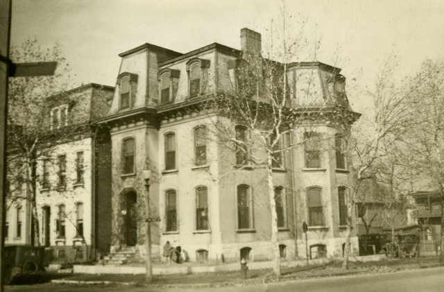 Edward Schuster Residence, 1803 Hickory, Photograph by William Swekosky, 1940s, Missouri History Museum, St. Louis, N03735.jpg