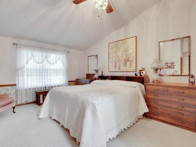 7506 Woodbridge Estates Ct St-017-12-IMG 7649-MLS_Size.jpg