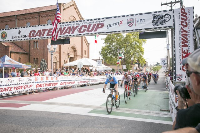 Chicago_Womens_Elite_Cycling_led_the_field.jpg