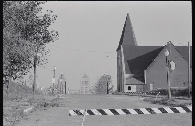 Looking East down Chestnut, Memorial, Former St. Paul's AME on the right, November 1963, Photo by Henry Mizuki, P0374-02823-D09-T5.jpg