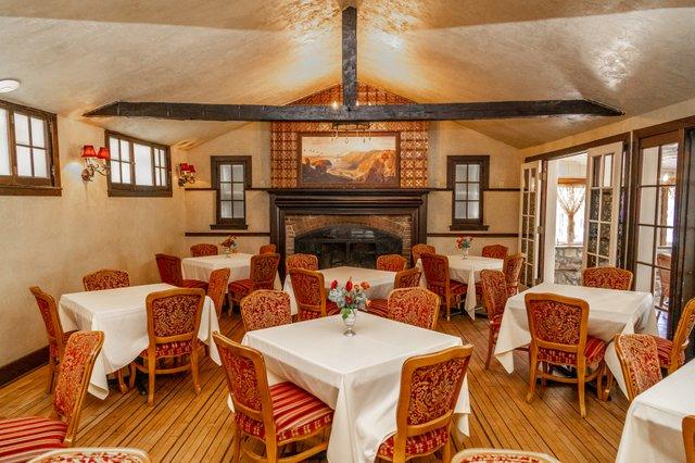 Old Barn Inn Dining Room.jpg